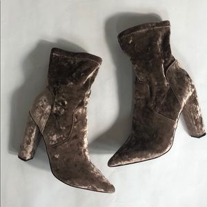 ASOS Crushed Velvet Taupe Color Booties. Size 8